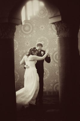 The Santa Barbara courthouse wedding dance