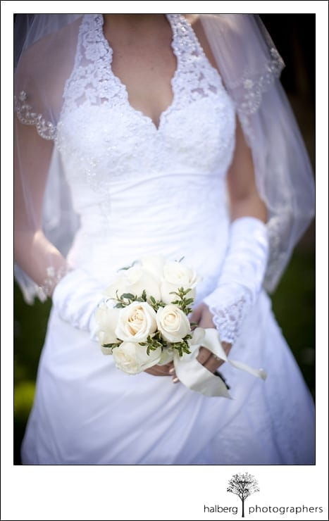 bride holding bouquet at her santa barbara courthouse wedding