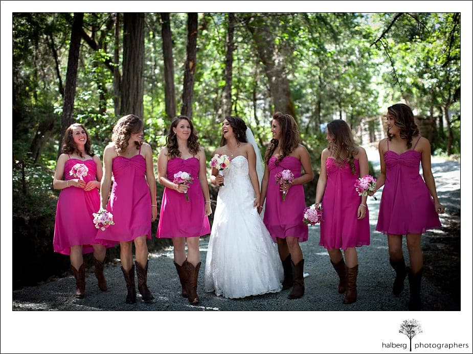 Bride and bridesmaids walk at Grants Pass Wedding