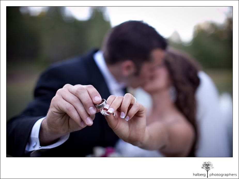 Holding wedding rings out at Grants Pass Wedding