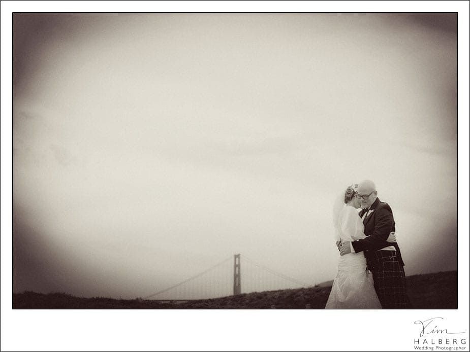 Couple and golden gate