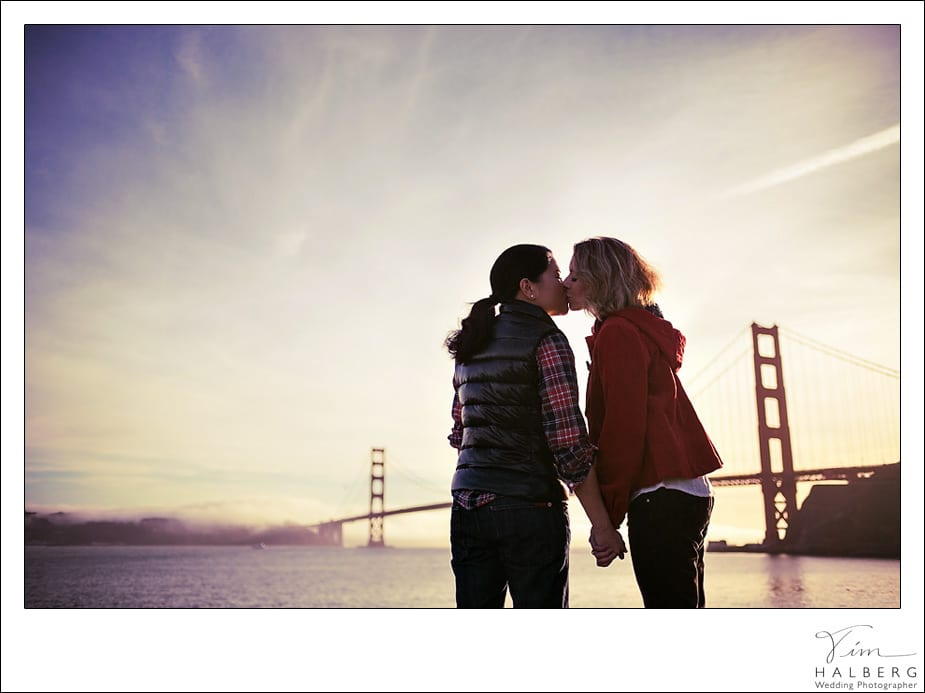 Kissing at the golden gate