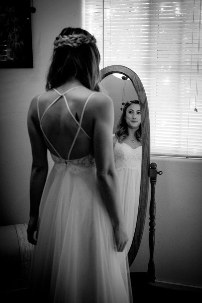 bride gets ready for wedding at kenwood ranch sonoma