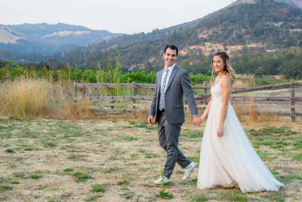 outdoor wedding pictures in sonoma