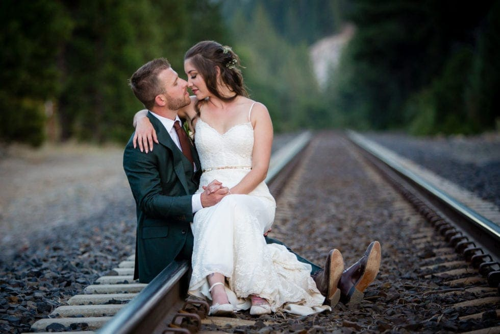 photos for wedding at twenty mile house in graeagle